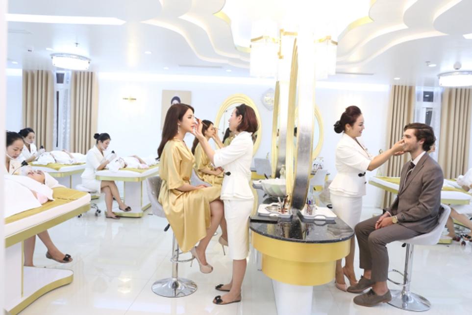 Thẩm mỹ viện Xuân Hương chăm sóc nhan sắc cho thí sinh Miss World Vietnam 2019