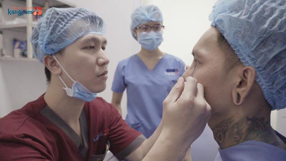 Cải thiện ngoại hình cho chàng trai có mũi bị tụt sụn sau phẫu thuật