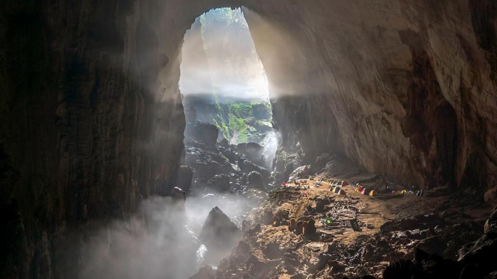 5 hang động ở Quảng Bình khiến khách Tây choáng ngợp