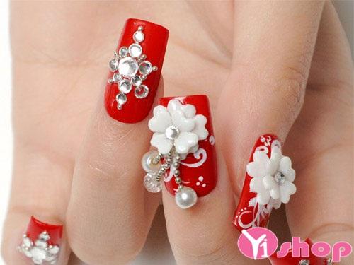 15 mẫu móng tay nail đính đá đẹp cho nàng dự tiệc