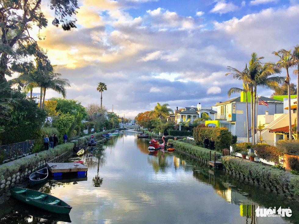 Khám phá kênh đào Venice lãng mạn trong lòng nước Mỹ