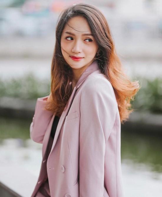 Mặc blazer đa phong cách như sao Việt