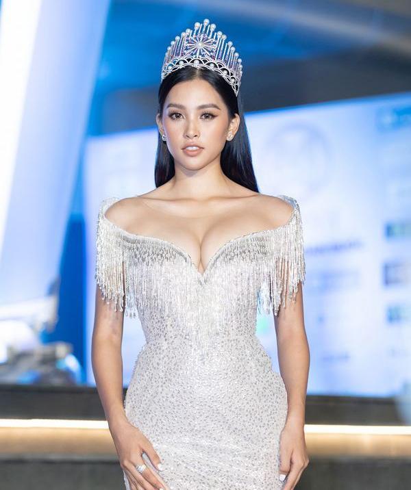 Hoa hậu Tiểu Vy lần đầu công khai số đo 3 vòng sau gần 1 năm đăng quang