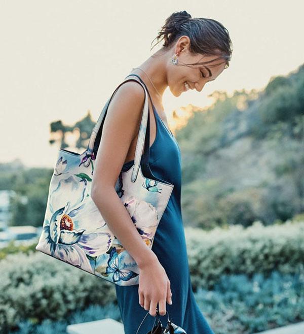 Mẹo chọn túi xách theo màu sắc trang phục dành cho phái đẹp