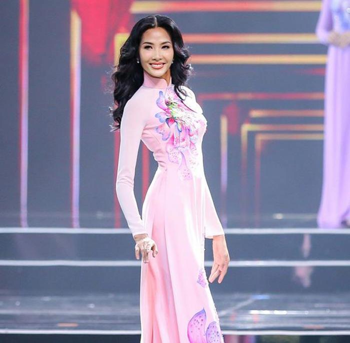 Mặc áo dài đẹp xuất sắc, Hoàng Thùy có nên diện quốc phục ở phần thi Interview Miss Universe 2019?