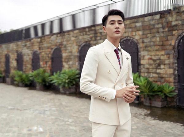 Nhâm Phương Nam gợi ý cách diện suit đồng bộ cho mùa thu