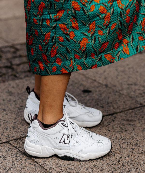 Muôn màu phong cách với sneakers retro