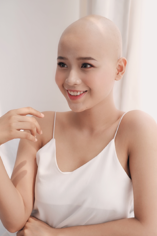 Nữ sinh ĐH Ngoại thương: 'Không nghĩ ung thư đến khi mới 19 tuổi'
