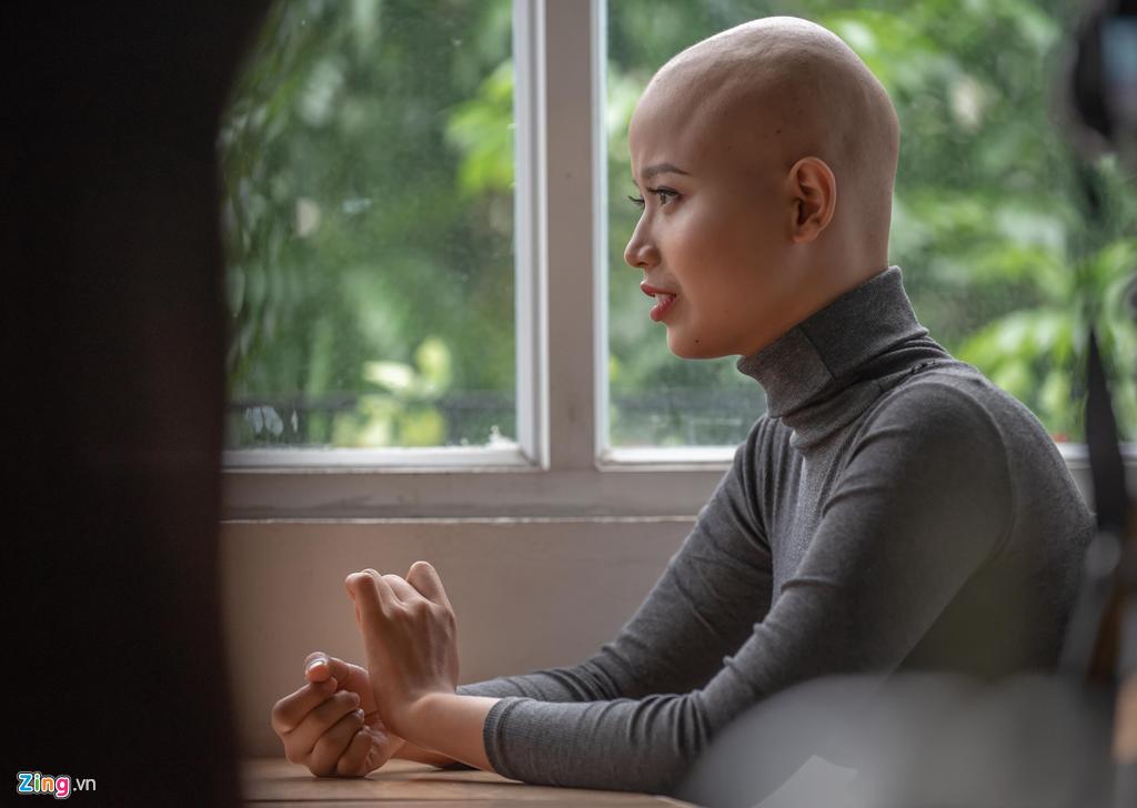 Nu sinh DH Ngoai thuong: 'Khong nghi ung thu den khi moi 19 tuoi' hinh anh 1
