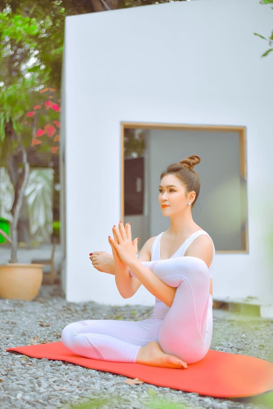 Bí mật nhan sắc vạn người mê của – Yogi Diễm Hương -Nữ hoàng trang sức Việt Nam