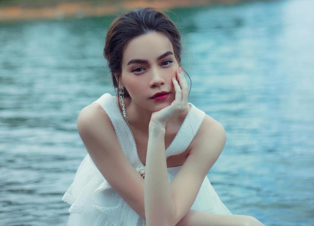 """Hồ Ngọc Hà đổi màu tóc tẩy trắng chất lừ, nào ngờ bị fan """"dập tơi tả"""""""