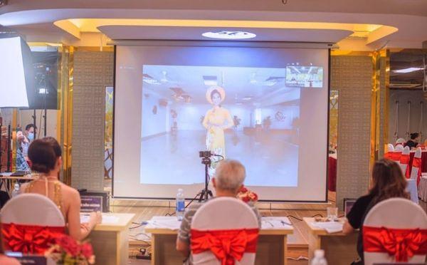 Vòng bán kết 1 – Miss yoga Việt Nam 2021: những đoá hoa yoga Việt Nam vẫn bung toả sắc hương trong bão Covid
