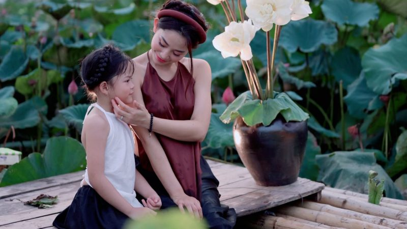 Hé lộ cô công chúa nhỏ đáng yêu, lanh lợi của HLV Yoga Quỳnh Phạm