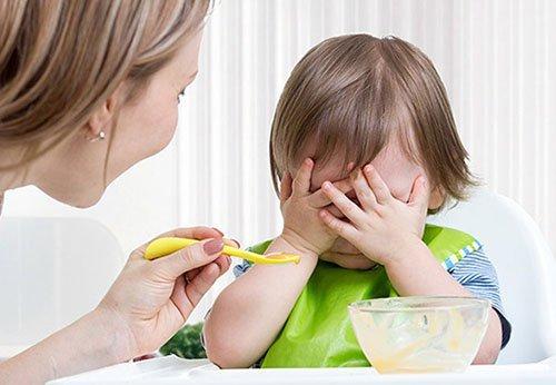 Trẻ biếng ăn phải làm sao và cách giúp trẻ ăn ngon miệng