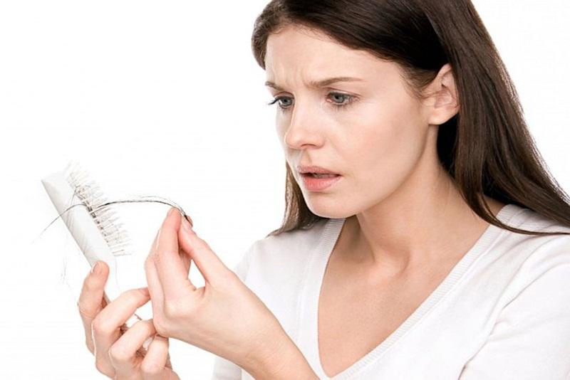 Rụng tóc nghiêm trọng mùa đại dịch, bạn đã biết nguyên nhân và cách khắc phục?