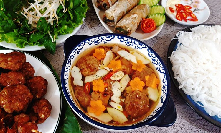 Bún chả Hà Nội thuần chay – món ăn thanh đạm thích hợp vào ngày hè nóng bức