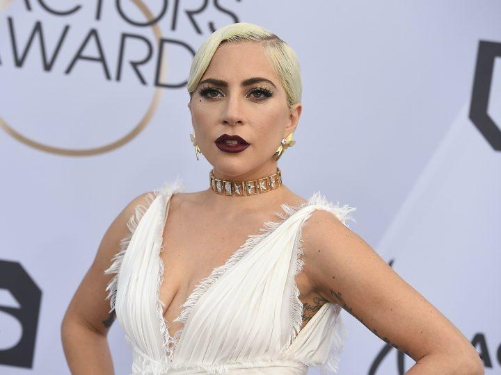 """Những khoảnh khắc siêu quậy thời trang cực sốc, nhưng """"bao đẹp"""" của Lady Gaga"""