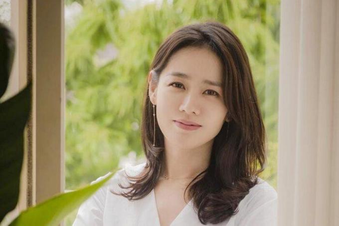 """Sau pilates, Son Ye Jin dành """"tình yêu"""" với golf, đồng điệu cùng người yêu Hyun Bin"""